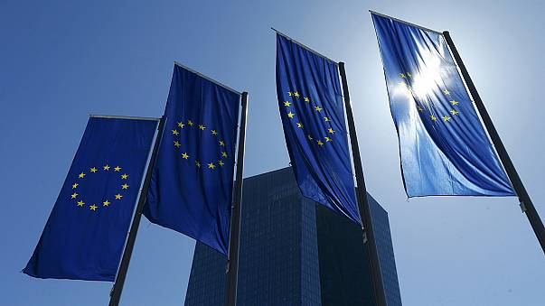 برنامج الأخبار الموجزة من مكتب يورونيوز في بروكسل ليوم الإثنين في الخامس و العشرين من شهر نيسان ابريل 2016