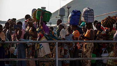 Un an après le début des violences, les Burundais fuient toujours leur pays