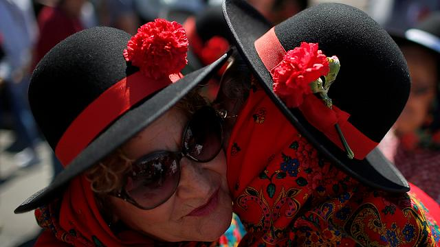 "Portugal marks 42nd anniversary of ""Carnation"" revolution"