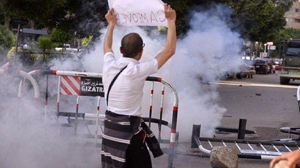 La policía egipcia reprime una gran manifestación contra Al Sisi en El Cairo