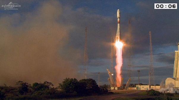 """""""Sentinel 1B uydusu"""" Soyuz roketiyle fırlatıldı"""