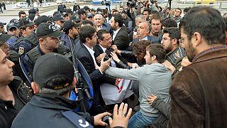 Τουρκία: Διαδηλώσεις για τη συνταγματική μεταρρύθμιση