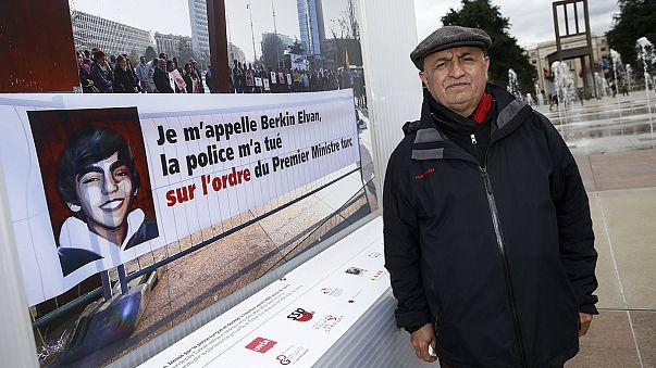 سويسرا ترفض طلب أنقرة سحبَ صُوَر منتقدة لإردوغان من معرِض في جنيف