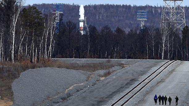 Putin'in izlemeye geldiği roket arıza çıkardı