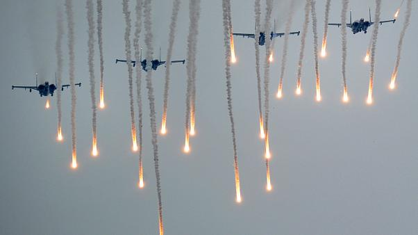 Image: Jets take part in the joint Russian-Belarusian military exercises kn
