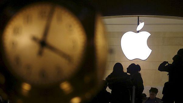 Apple-sokk: 13 év után először csökkent a bevétele