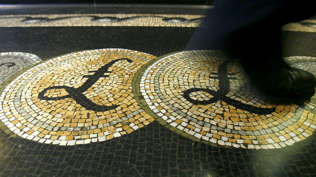 UK economic growth slows