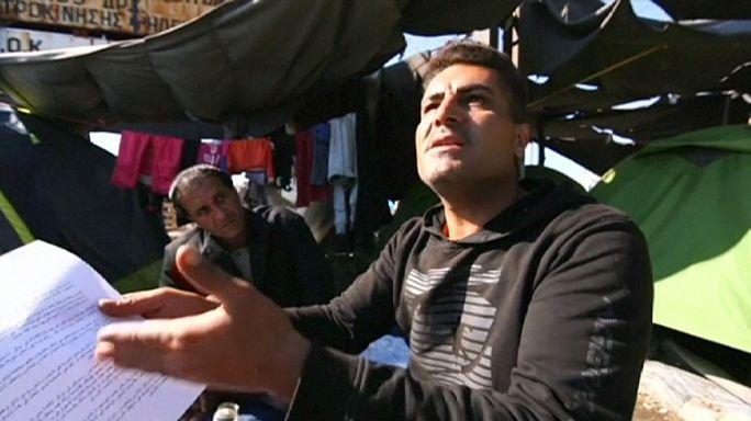 Les autorités grecques incitent les migrants à quitter le camp d'Idomeni