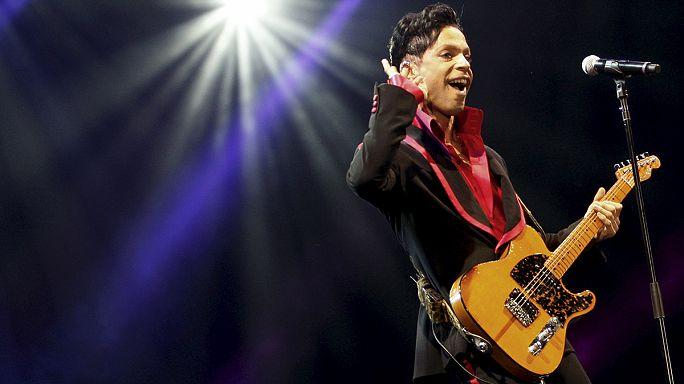 'The Revolution' grubu Prince için sahneye dönüyor