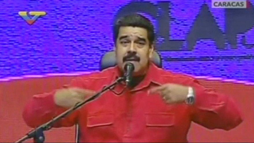 """La oposición venezolana comienza """"el firmazo"""" para revocar a Nicolás Maduro"""