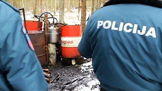 Litvanya'da polis kaçak alkol imalathanelerini havadan tespit ediyor