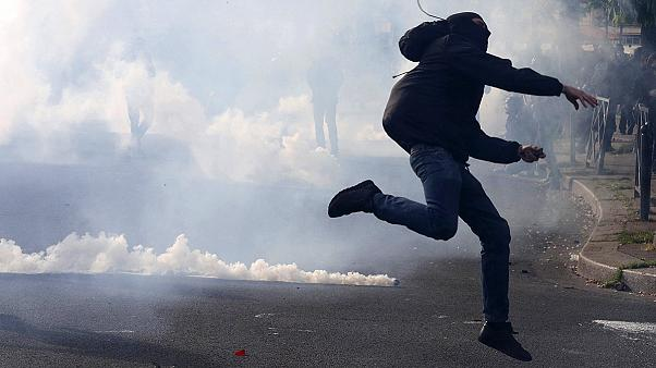 Clashes in Paris at French labour reform bill protest