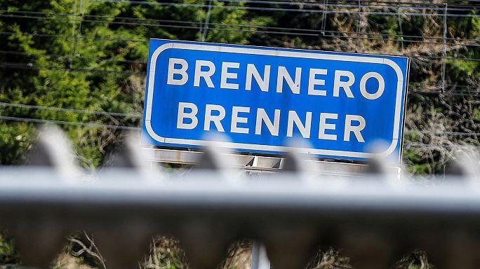 Италия - против австрийского забора на перевале Бреннер