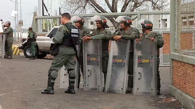 Venezuela'da yağmalama olayları başladı