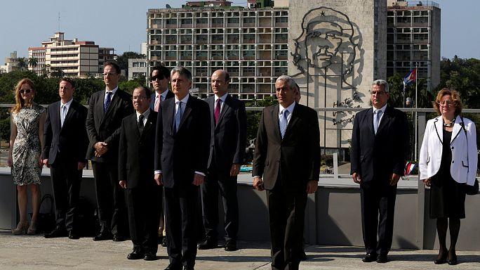 İngiltere Dışişleri Bakanı Hammond Küba'da