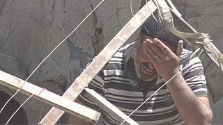 Halep'te siviller hava saldırılarıyla vuruluyor
