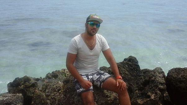 پناهجوی ایرانی که خود را به آتش کشیده بود، جان باخت