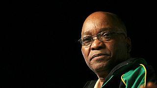 Zuma volta a enfrentar 793 casos de corrupção