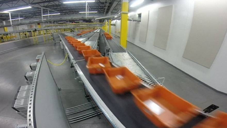 Amazon earnings jump, cloud services unit excels