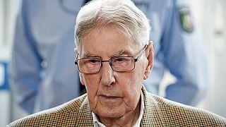 """Auschwitz: ex guardia del campo, """"provo vergogna per non aver impedito ingiustizia"""""""