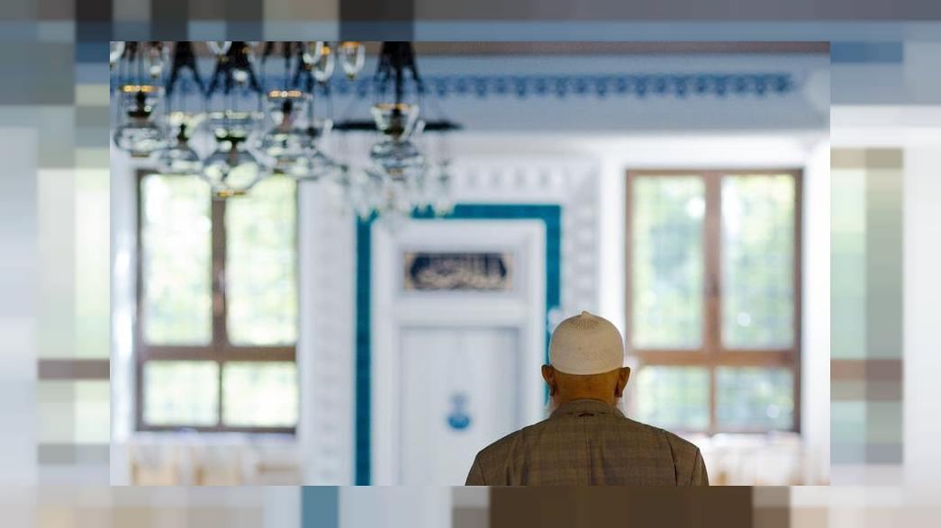 A leading German politician says the country's mosques should come under state control