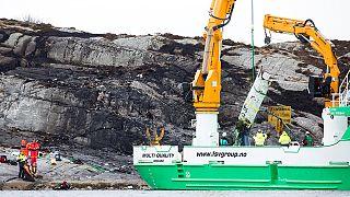 Norvegia: le immagini dello schianto dell'elicottero, nessun sopravvissuto