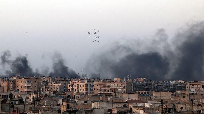Pénteken is folytatódott Aleppó bombázása
