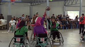 Afghanistan, giocatrici di basket in carrozzella