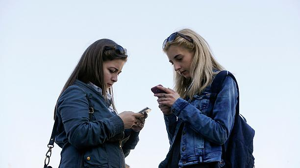 Cuts in EU mobile roaming charges come into effect
