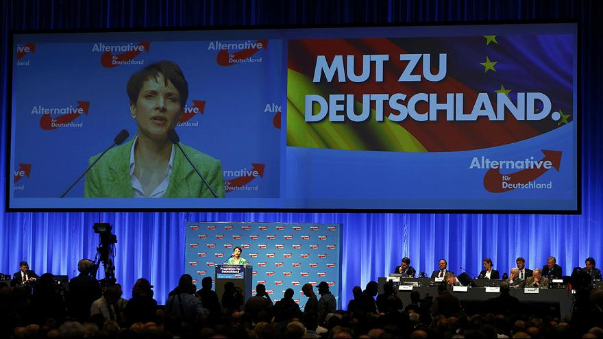 "Petry nennt AfD-Demonstranten ""Antifa-Bodentruppen der Konsensparteien"""