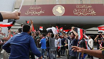 Protesters take over Iraqi parliament
