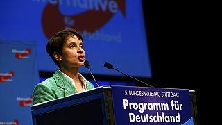 """Stoccarda: congresso di """"Alternativa per la Germania"""", la leader spinge a destra"""