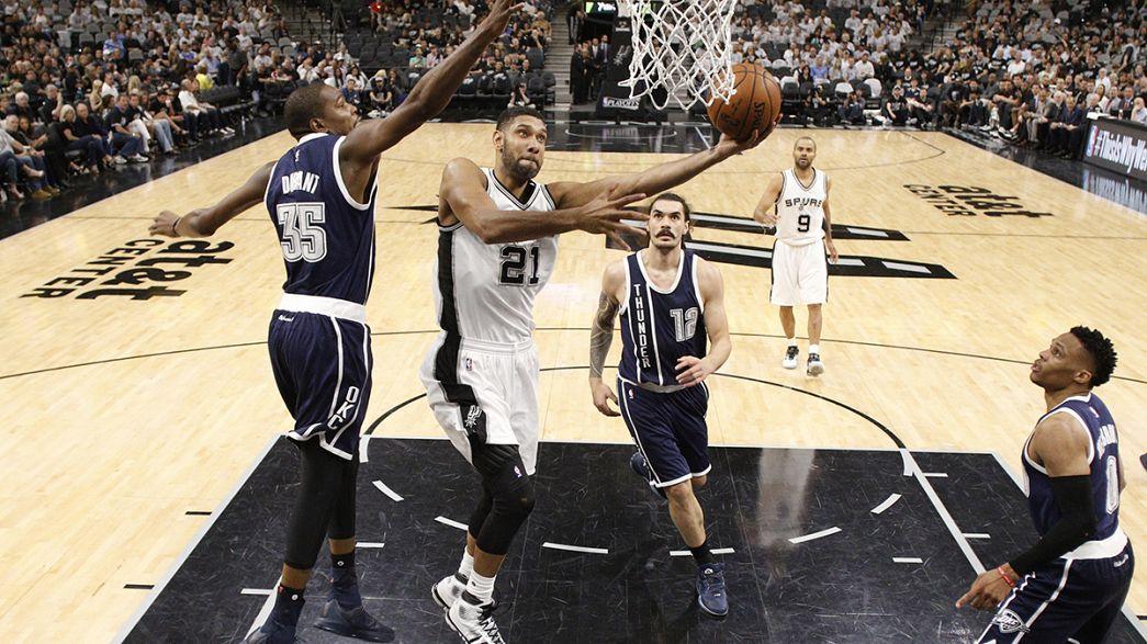 Los Spurs barren a Oklahoma en un partido de récord