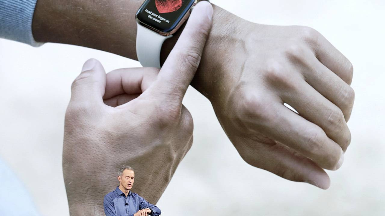 Image: Jeff Williams, Apple's chief operating officer, speaks about the App
