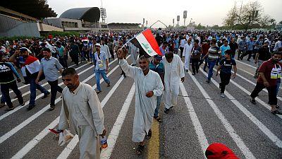 Manifestantes abandonam Zona Verde de Bagdade mas com ameaça aos deputados