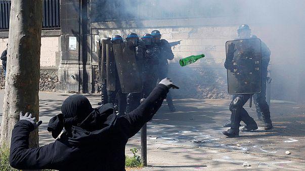 França: Reforma laboral inflama protestos do primeiro de Maio
