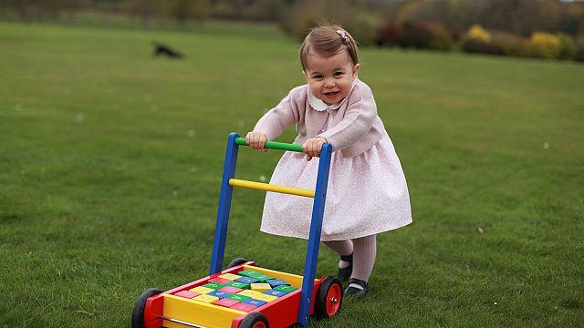 Новые фото принцессы Шарлотты