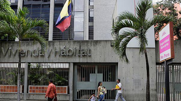 Βενεζουέλα: Αλλάζουν την ώρα για να εξοικονομήσουν ενέργεια!