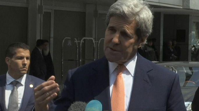 """Госсекретарь США: ситуация в Сирии """"выходит из-под контроля"""""""