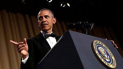 Barack Obama: risate ai titoli di coda