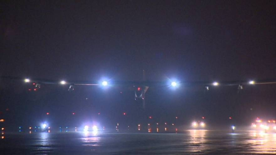 El avion solar Impulse2 sigue su vuelta al mundo
