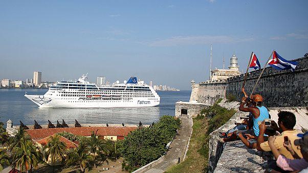 سفينة سياحية أمريكية ترسو في كوبا