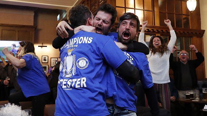 Liecester City tarihinde ilk kez şampiyon oldu