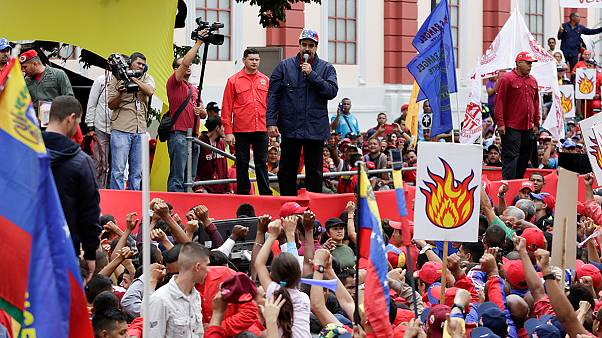 Venezuela opposition collects signatures in bid to oust President Maduro