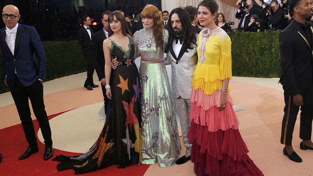 New York Metropolitan Sanat Müzesi'nde moda rüzgarı