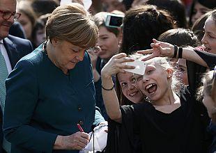 Let's take a selfie Angela!