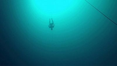 Freediver descends 124 metres for new world record