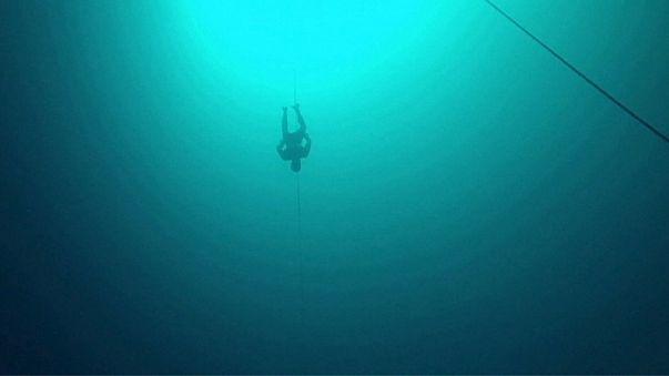 Новый мировой рекорд по погружению без акваланга