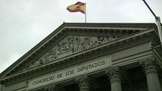 Feloszlatta a spanyol király a parlamentet