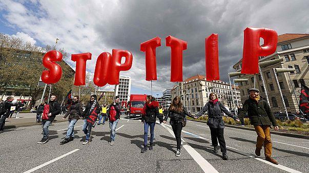 """Frankreich sagt """"Nein"""" zu TTIP: Kein Abkommen ohne Regeln"""